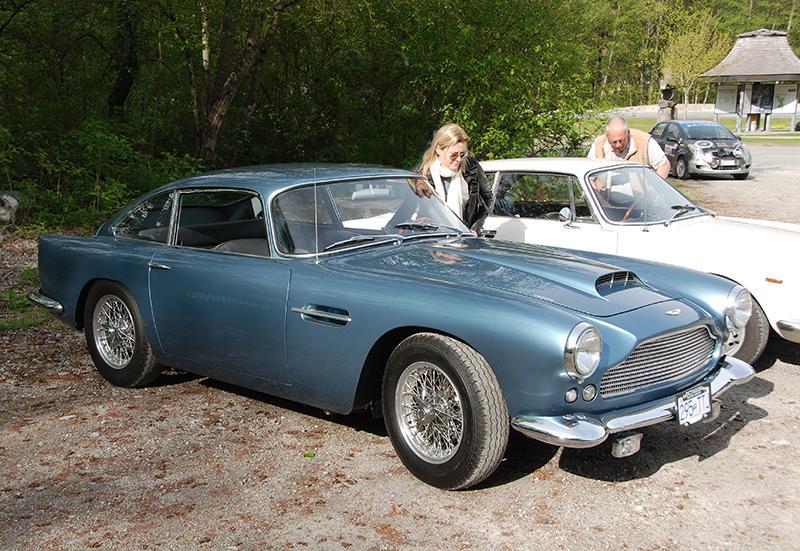 '61 Aston Martin DB4